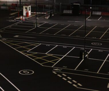black and white basketball court
